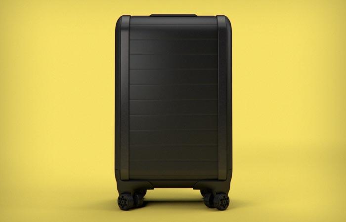 Smart zipperless luggage