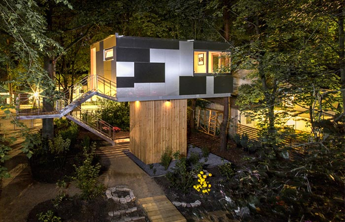 Baumraum Urban Treehouse exterior