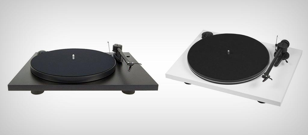 Essential II Turntable