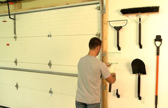 The Handler wall mount system