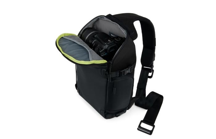 Incase Pro Pack quick-access top compartment