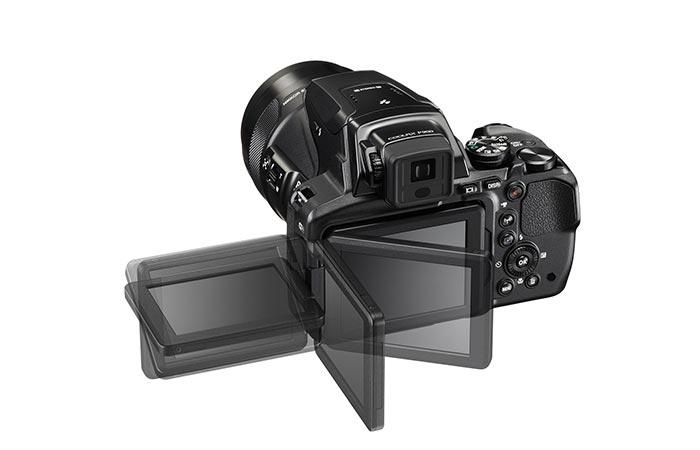 Nikon Coolpix P900 swiveling display