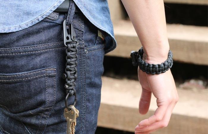 Survival Firestarter Paracord Bracelet keychain