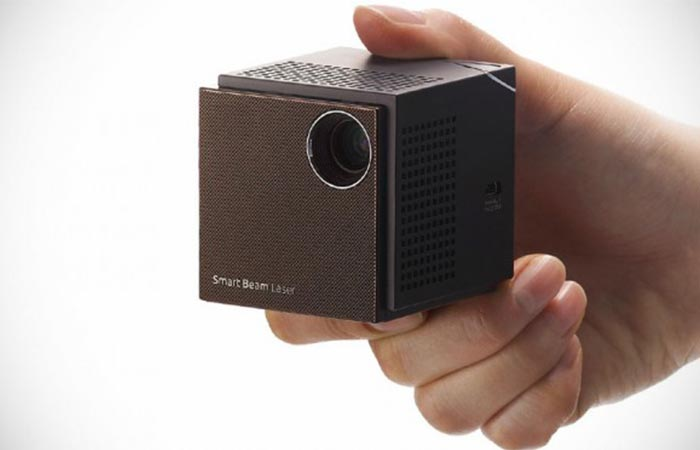 UO Smart Beam Laser Projector projection quality