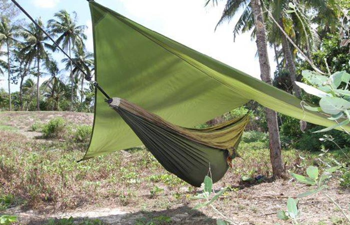 ticket to the moon  u2013 hammock tarp 6 hammock tents you should know about for your next camping      rh   jebiga