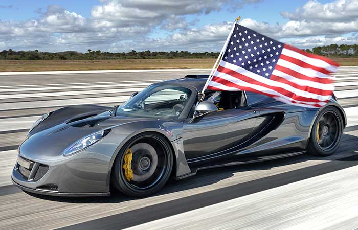 Hennessey Venom GT and American flag