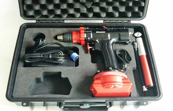 Case with the drill and all of its components