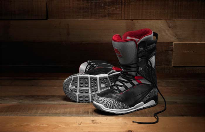Nike Zoom Kaiju Mens Snowboard Boots On The Wooden Floor