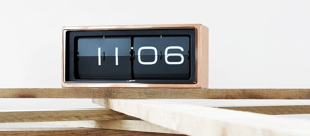 Brick Vintage Flip Clock