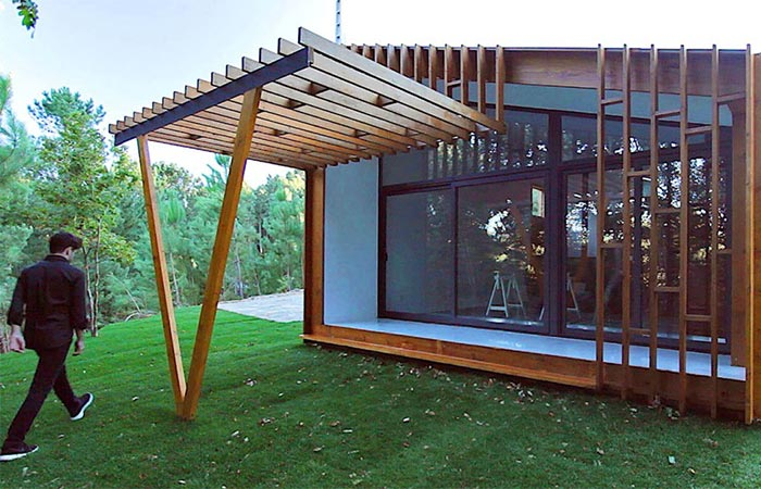 The Front Of Gomos Modular House