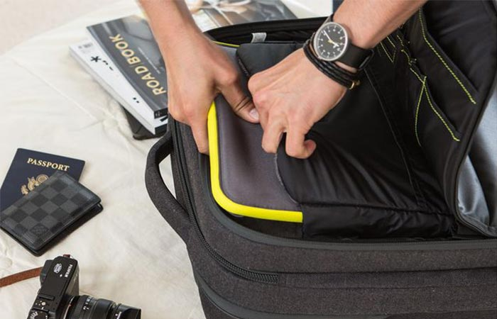 Packing A Laptop Into Incase Eo Travel Roller