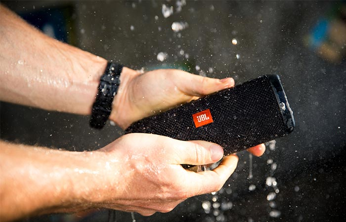 JBL Flip 3 splash test