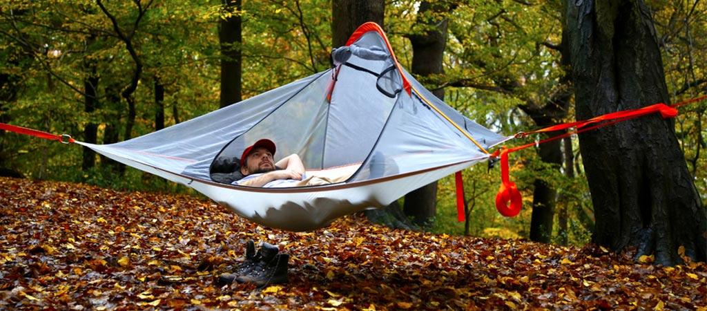 Man using the Tentsile Flite Tree Tent