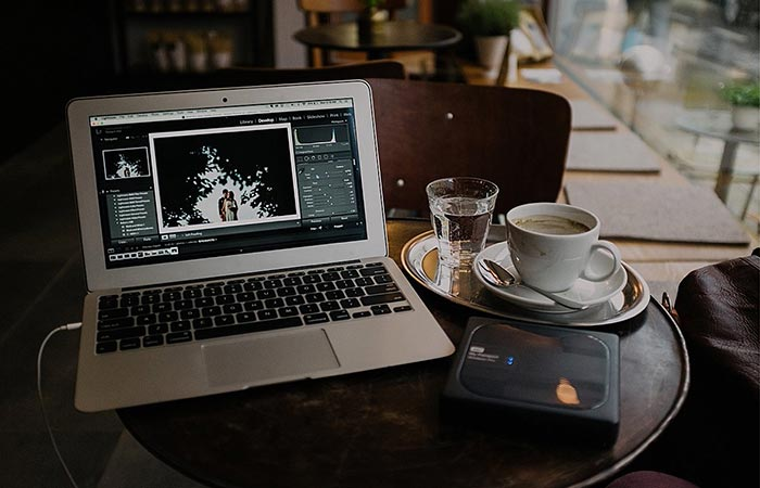 WD My Passport Wireless Pro streaming to a laptop