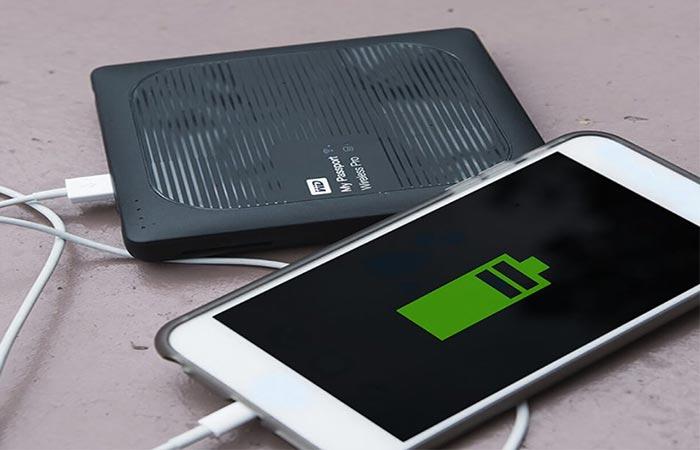 My Passport Wireless Pro charging a phone