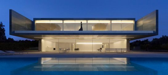 Aluminum House | By Fran Silvestre Arquitectos