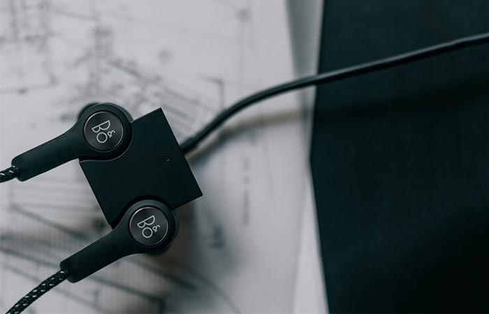 Magnetic Charger For Bang & Olufsen Beoplay H5 Wireless In-Ear Headphones