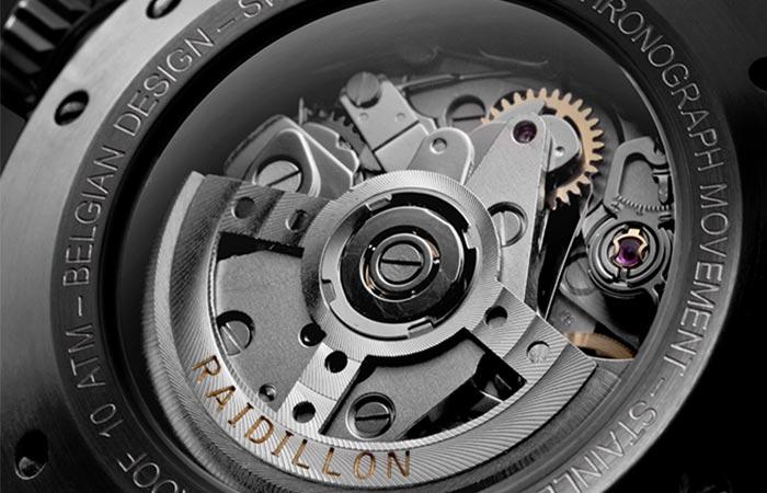 Inner workings of the Raidillon 42 Chronograph