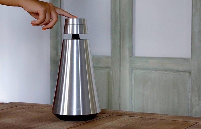 Pressing Bang & Olufsen BeoSound 1 Speaker