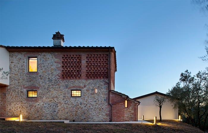 Exterior Of Tuscan Farmhouse