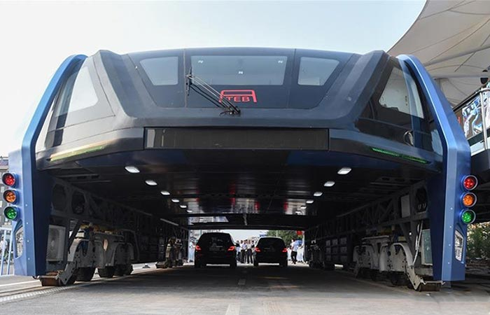 World's First Transit Elevated Bus front view with cars underneath