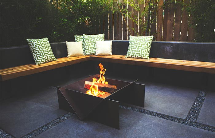 Stahl Firepit Outside