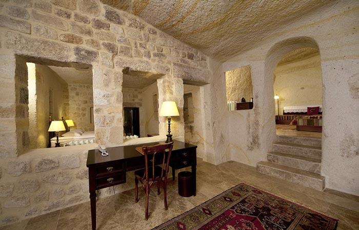 A Desk Inside A Room At Yunak Evleri Cappadocia Hotel