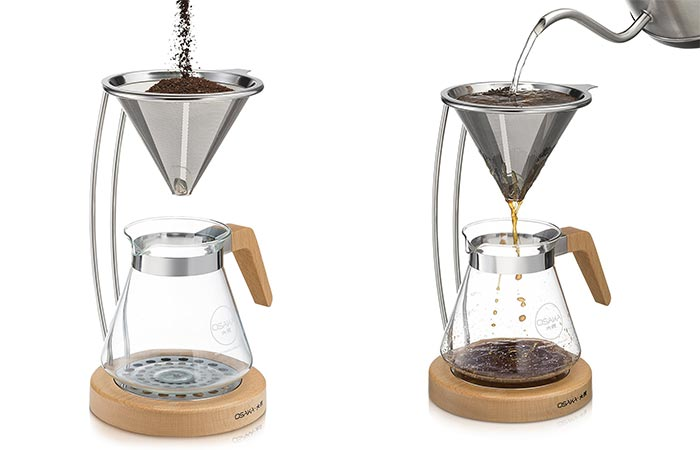 Preparing coffee with the Osaka dripper