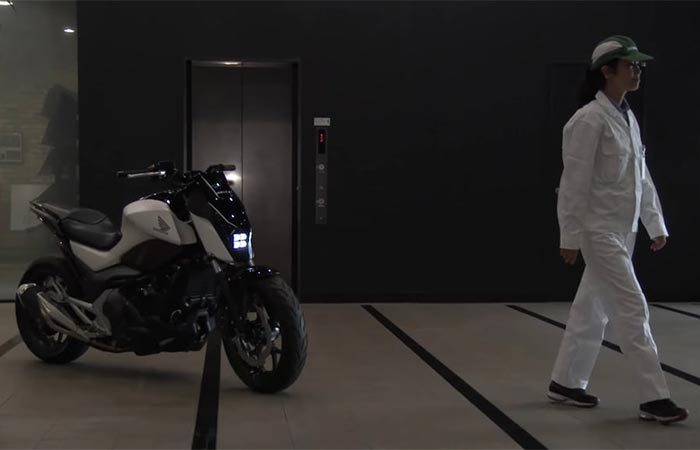 Honda's Self-Balancing Motorcycle following a Honda R&D researcher