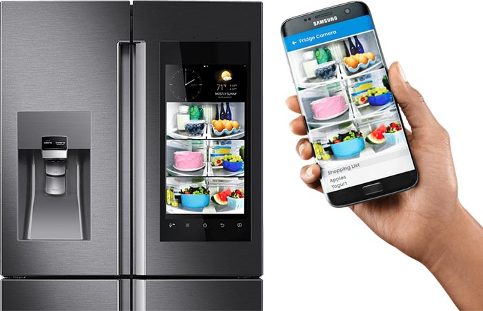 Samsung Family Hub 2.0 Refrigerator synchronized to a smartphone