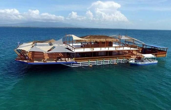 Picture of the TawHai Floating Bar