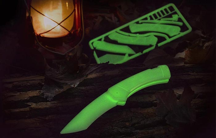 Trigger Knife Kit in glow-in-the-dark