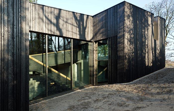 one side of Villa Meijendel