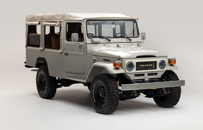 Front view of the 1981 Toyota Land Cruiser FJ45 Troopy