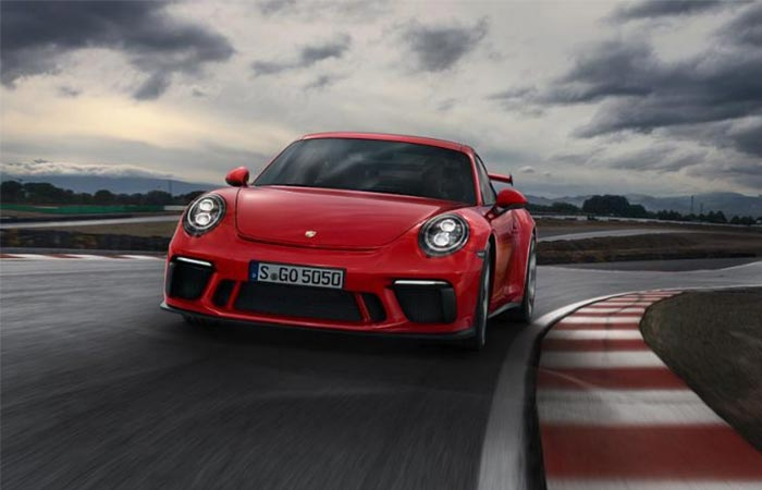Front view of the 2018 Porsche 911 GT3
