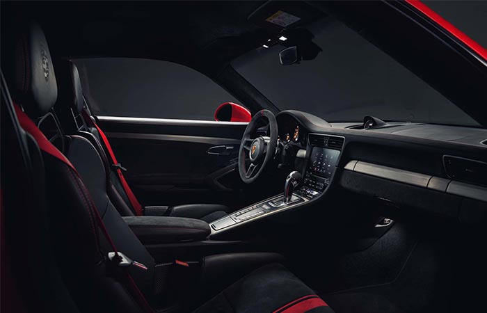 Interior of the 2018 Porsche 911 GT3