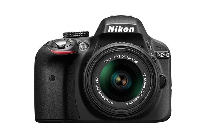 Nikon D330