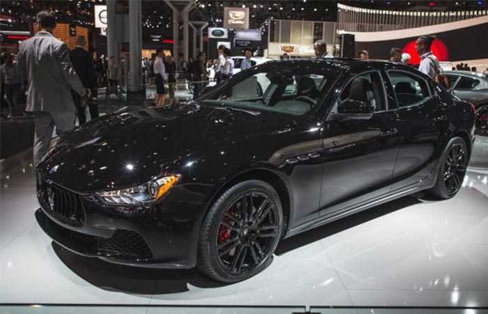 Side view of the 2017 Maserati Ghibli Nerissimo Edition
