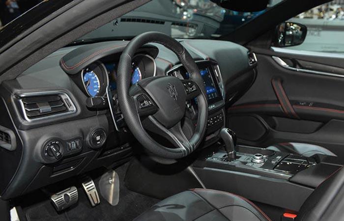 2017 Maserati Ghibli Nerissimo Edition interior