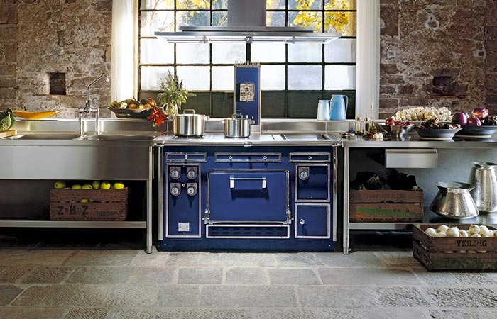 the blue molteni range cooker