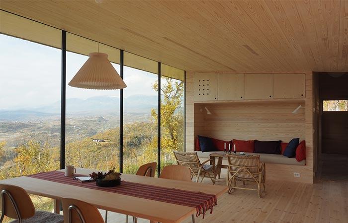 the dining room of Ustaoset Cabin