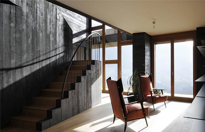the Comano Villa staircase