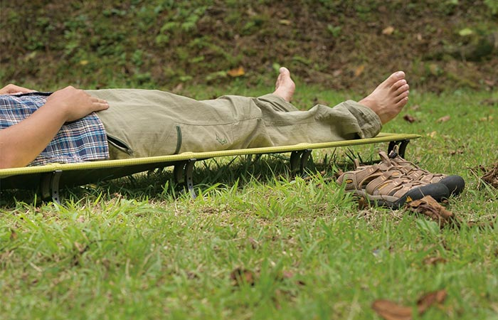 a guy on Therm-a-Rest UltraLite Cot